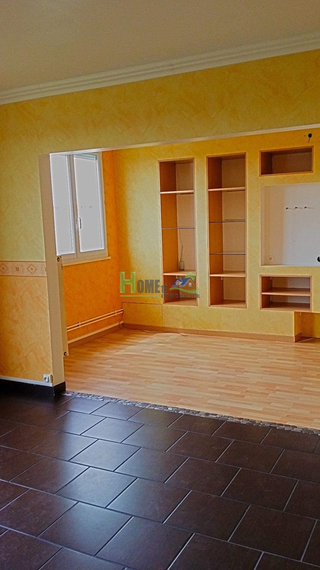 Vente bourges bel appartement f4 garage for Appartement garage
